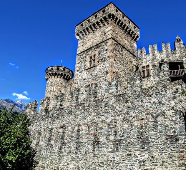 Замъкът във Фенис – Завръщане в Средновековието